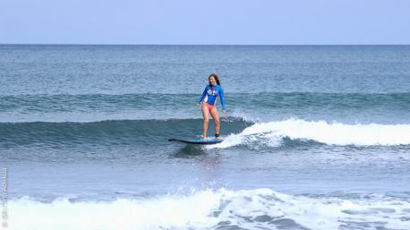 cours de surf à Bali avec un prof français