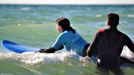 Découvrez le plaisir de surfer les plus belles vagues de Lacanau