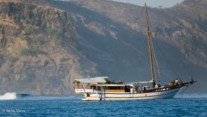 votre bateau tout confort pour cette croisère surf sur les spots de Sumba en Indonésie