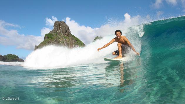 la régalade intégrale sur les vagues du Brésil pour vos vacances surf