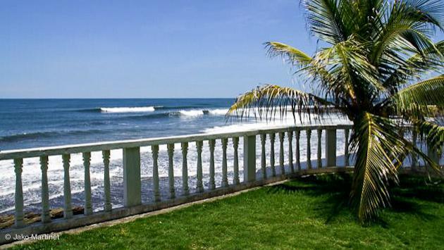 Une petite vue sympa sur le spot de surf à El Tunco