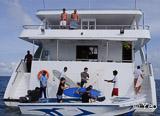 Votre bateau tout confort spécialement équipé pour accueillir des surfeurs - voyages adékua