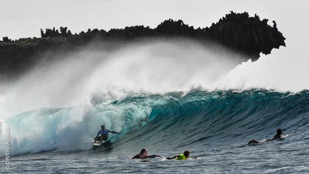 Paradis des surfeurs ? Une pléiade de vagues à surfer, seul ou en groupe, sur l'île de Siargao aux Philippines