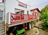 Vous logez au cœur du village typique de Guétharyau Pays Basque - voyages adékua