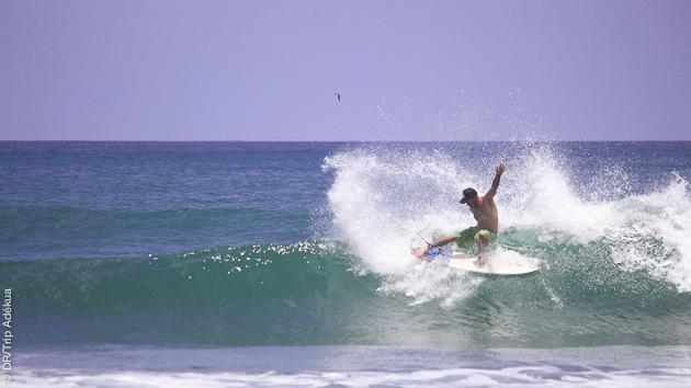 vagues pour tous les niveaux de surf à Popoyo