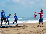 Votre stage de surf à Bali à 2 pas de votre villa - voyages adékua