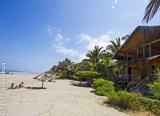 Votre hébergement à Mancora les pieds dans l'eau face au spot de surf - voyages adékua