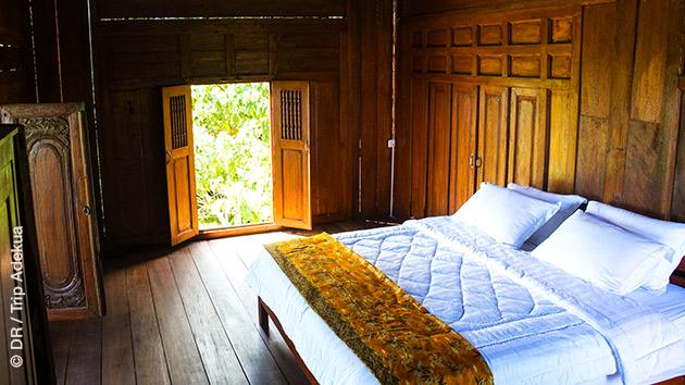 Votre hébergement en bungalow, cosy et tout proche des vagues pour surfer à Simeulue