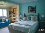 Vous logez dans une très confortable chambre à 50 mètres du spot de surf - voyages adékua
