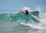 Vous ridez les meilleurs spots de surf du jour coaché comme un pro - voyages adékua