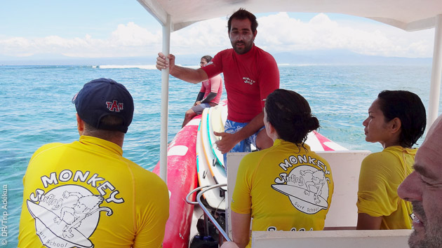 Rejoignez notre école de surf pour des cours avec moniteur francophone à Bali
