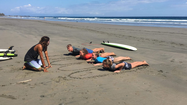 Votre séjour au Costa Rica : profitez des cours de surf pour progresser