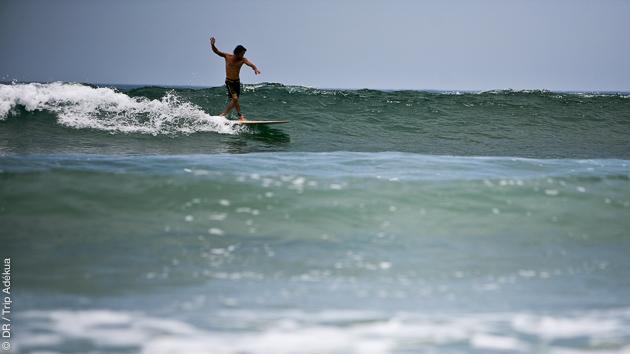 Sessions surf sur les spots de Montanita en Equateur