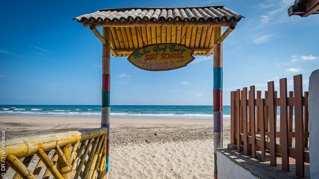 Pension complète dans votre cabane à quelques pas du spot de surf de Montanita en Equateur