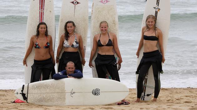 Profitez des cours de surf de nos moniteurs diplômés
