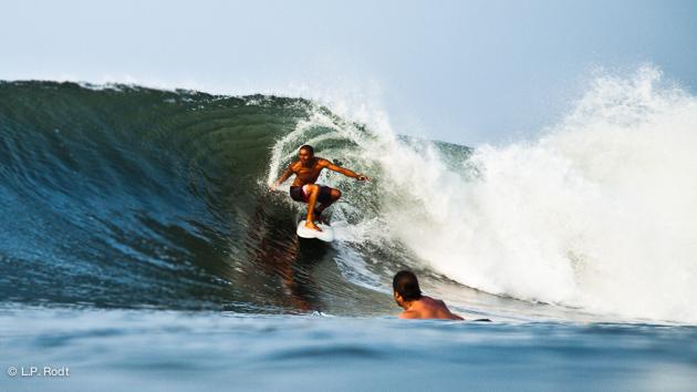 Les vagues magiques du Salvador avec Surf Trip adékua