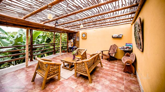 votre terrasse à l'hotel à ayampe face à un des meilleurs spots de surf d'Equateur