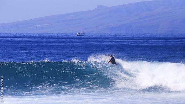 Vacances surf sur les spots de Tenerife entre amis