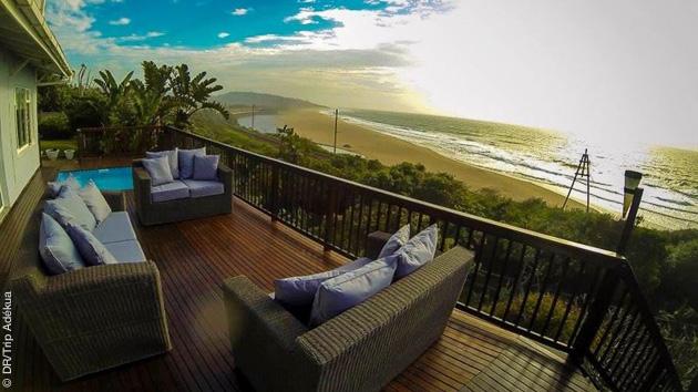 Pendant votre séjour surf à Jeffreys, vous êtes logés en chambre luxe avec vue sur les vagues