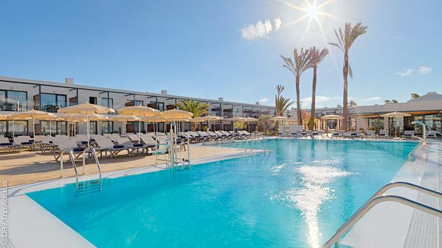 Séjour surf avec cours ét hébergement à Fuerteventura, idéal pour les familles