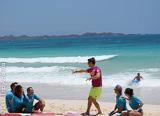 Stage de surf dans les vagues de Fuerteventura - voyages adékua