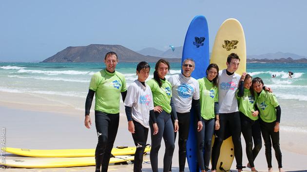 Stage de surf pour les ados, à Corralejo, et cours pour les parents