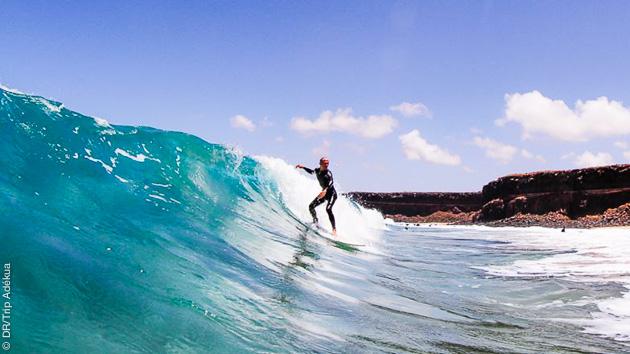 Sessions surf à Corralejo, en famille avec cours et hébergement