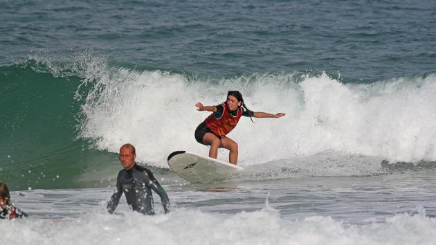 Progressez en surf dans les vagues du Pays Basque
