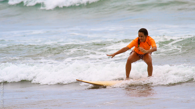 Cours de surf avec photos et vidéos, par un moniteur certifié, en Equateur