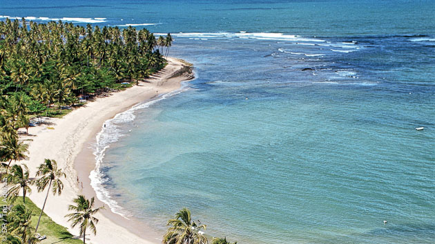 Le spot de Praia do Forte accueille des compétitions internationales de surf, dans un cadre idyllique
