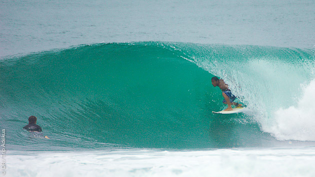 Cours de surf avec hébergement en villa sur le spot de Praia do Forte au Brésil