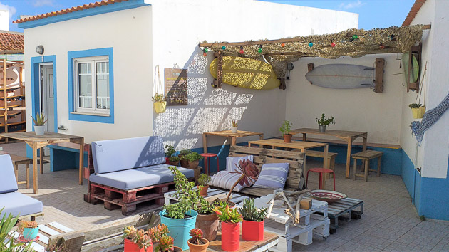Une terrasse de rêve pour votre surf house tout confort à Baleal au Portugal