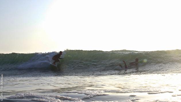Surfez les plus belles vagues de Peniche au Portugal