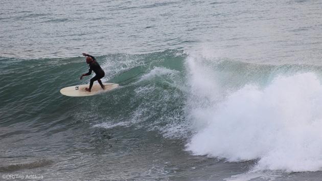Progressez dans les vagues de Tafedna au Maroc