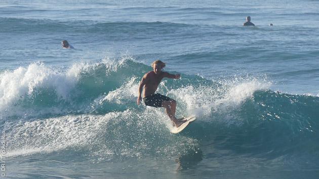 Stage surf tous niveaux avec hébergement au Sri Lanka