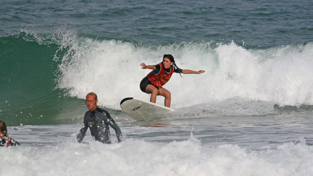 5 cours de surf pour progressez dans les vagues