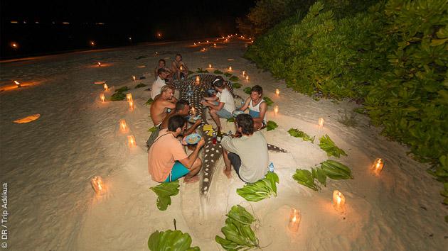 Un voyage surf au paradis, avec hébergement sur un bateau de croisière tout confort aux Maldives