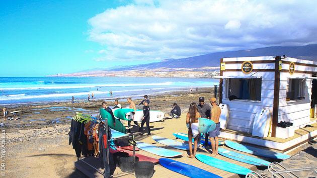 Des spots idéaux pour tous les niveaux, avec des cours privés pour progresser en surf aux Canaries