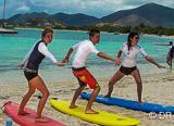Stage de surf pour s'initier ou progresser comme jamais dans une eau chaude toute l'année - voyages adékua