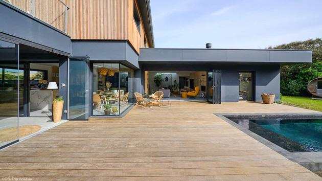 Votre villa de luxe avec piscine face à l'Océan pour des vacances surf de rêve